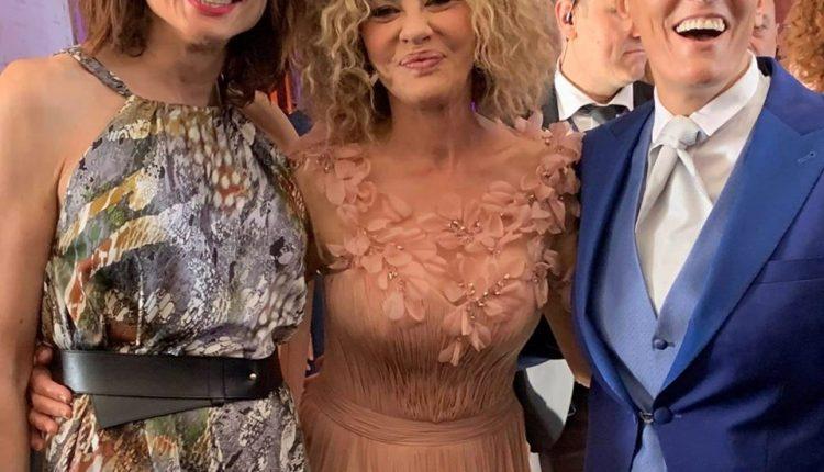 Imma Battaglia e Eva Grimaldi si sono sposate. Al matrimonio anche Vladimir Luxuria in un abito elegantissimo targato Giovanna Panico