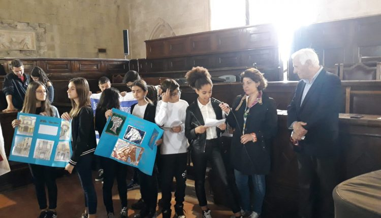 """""""Cittadini per l'Unesco"""" –A Napoli studenti sangiorgesi presentanoil patrimonio culturale della città"""