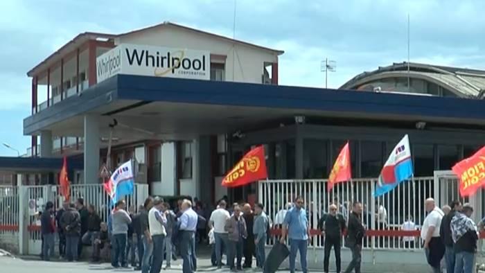 Whirlpool: notte di presidio a Napoli e assemblea: la chiusura è una tragedia