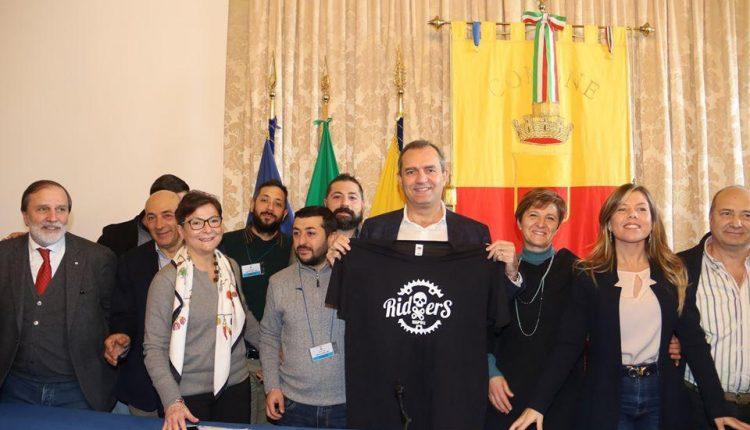 A Napoli la carta dei diritti dei riders e dei lavoratori della gig economy. Assessori Clemente e Buonanno: 'Un risultato importante per la città e per i suoi lavoratori'