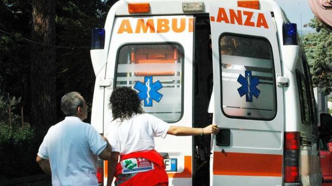 Napoli, terzo medico aggredito in 48 ore:dottoressa del 118 strattonata da paziente psichiatrico
