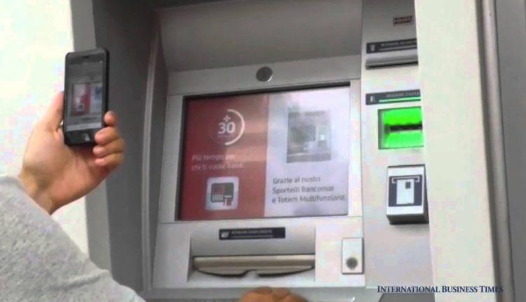 Utilizzavano smartphone per prelievi ai bancomat, i carabinieri del Tenente di Gioia di Cercola arrestano due delinquenti di Barra