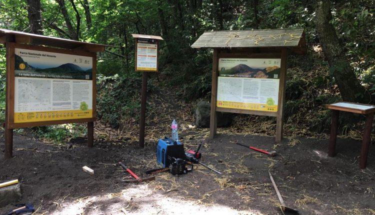 Ecco la nuova segnaletica per i sentieri del Parco Nazionale del Vesuvio, lo annuncia il Presidente Casillo sulla sua Pagina Facebook