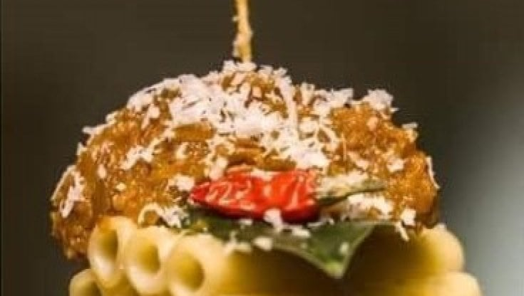 """A Sorrento, lo chef Andrea Napolitano col Rotaract Club, organizza la """"Genovese sospesa"""""""