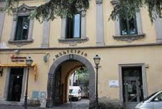A Somma Vesuviana due nuovi assessori sostituiscono Prisco e La Montagna, sono Luisa Cerciello e Ciro Cimmino