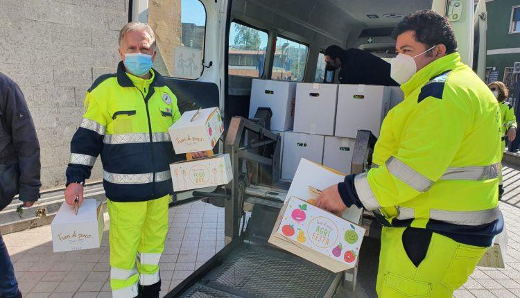 In distribuzione oltre mille uova pasqua e colombe artigianali alle famiglie in difficolta'. Dopo Pasqua saranno consegnati anche pacchi alimentari