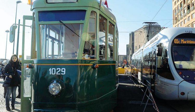 """Tram storici, la Soprintendenza blocca la vendita: polemica sui modelli """"Ctk"""" degli anni '30"""