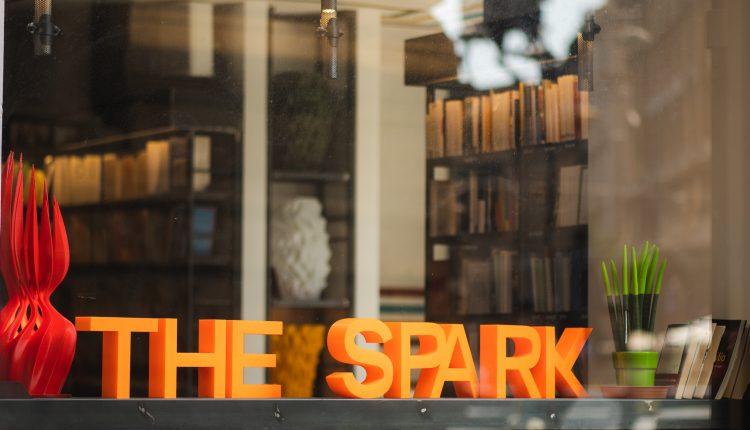 THE SPARK CREATIVE HUB ACCOGLIE MONDADORI BOOKSTORE NAPOLI E RIPARTE DA DOMANI 22 APRILE ALLE 11.30