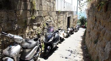 Emergenza Covid – Il Sindaco di Napoli Luigi de Magistris interdice le strade che accedono alle spiagge fino al 2 maggio