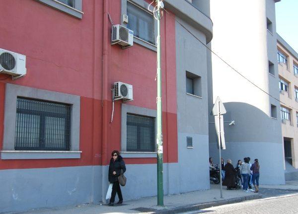 """Aumentano i contagi in città, il sindaco di Sant'Anastasia dispone la chiusura delle scuole superiori fini all'8 maggio e minaccia l'istituzione della """"zona rossa territoriale"""""""