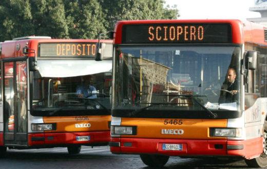 Venerdì a Napoli sciopero di 4 ore del trasporto pubblico indetto dall'Unione Sindacale di Base