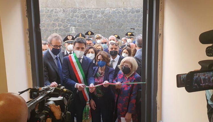 """A Ercolano, la Ministra Bonetti inaugura il Centro Antiviolenza """"Annabella Cozzolino"""""""