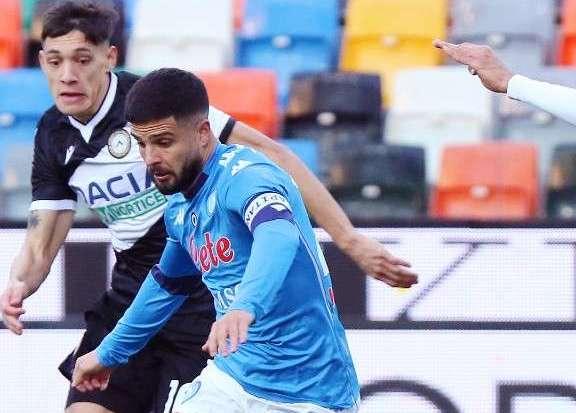 Il Napoli travolge l'Udinese e vola verso la Champions