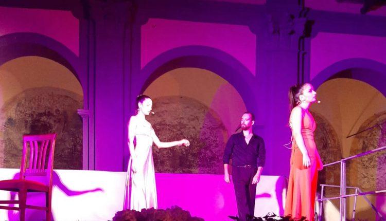 """Parte da Somma Vesuviana """"Il cuore di una rosa"""" spettacolo teatrale inedito, sul tema della violenza sulle donne, realizzato, portato in scena dalla Compagnia Teatrale de """"I Vagabondi"""""""