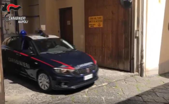 Minore legato e picchiato, indagini dei carabinieri a Pomigliano d'Arco, dopo la denuncia del padre